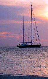 Sailboat Sunset in Roatan